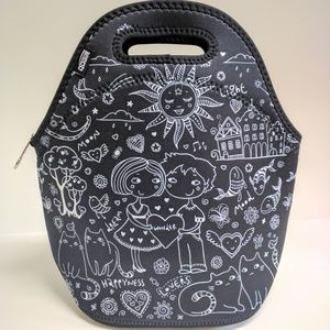 NWT Neoprene lunch bag black and white graphic
